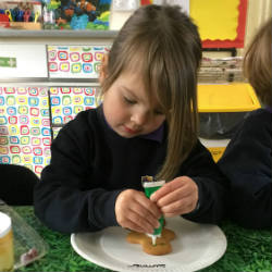 Nursery children mix creativity with Maths