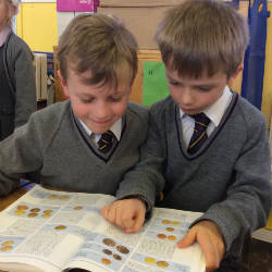 Ancient Roman artefacts create intrigue in Year 3